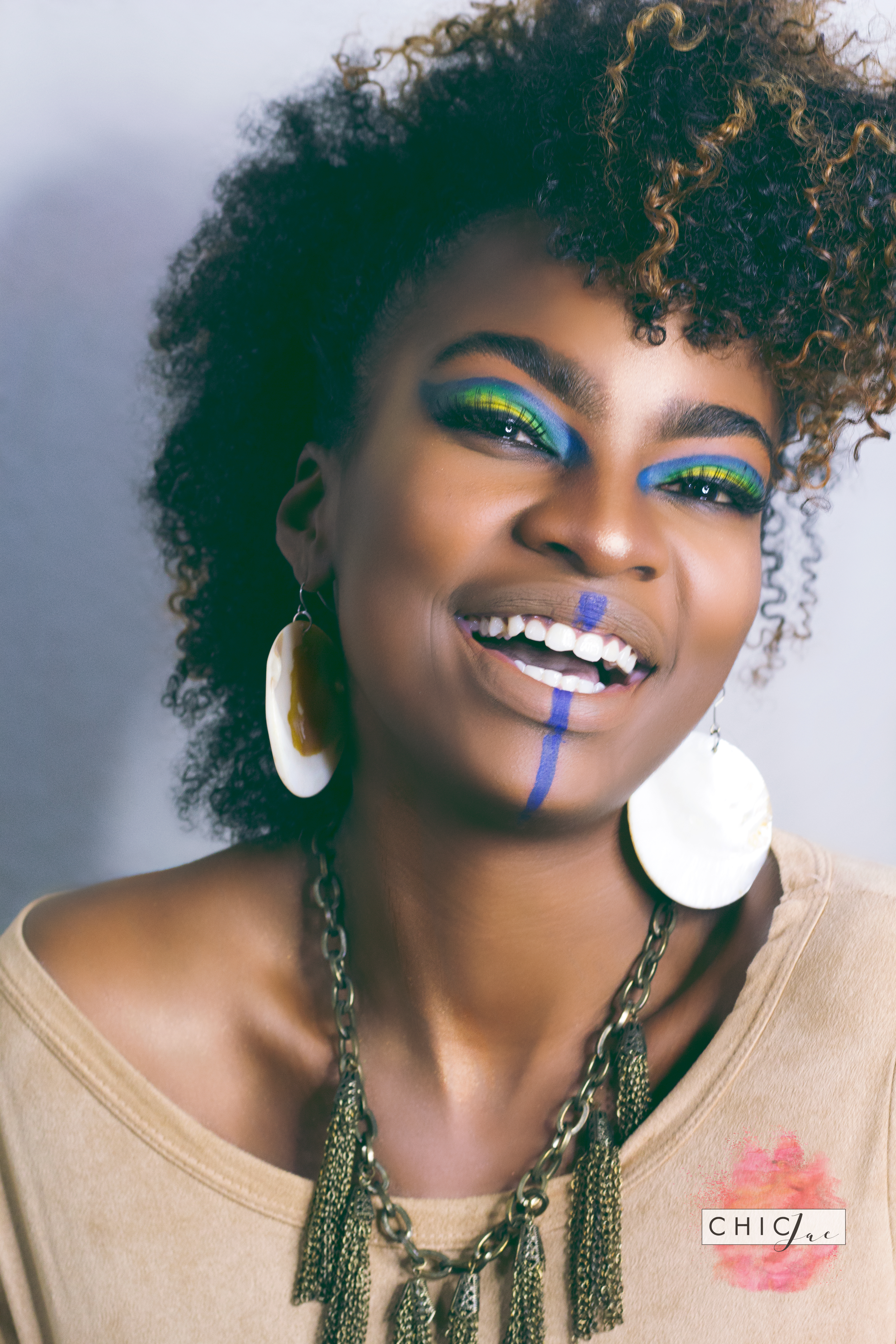 Book now to build a MUA, model, or other talent portfolio with Chic Jae!